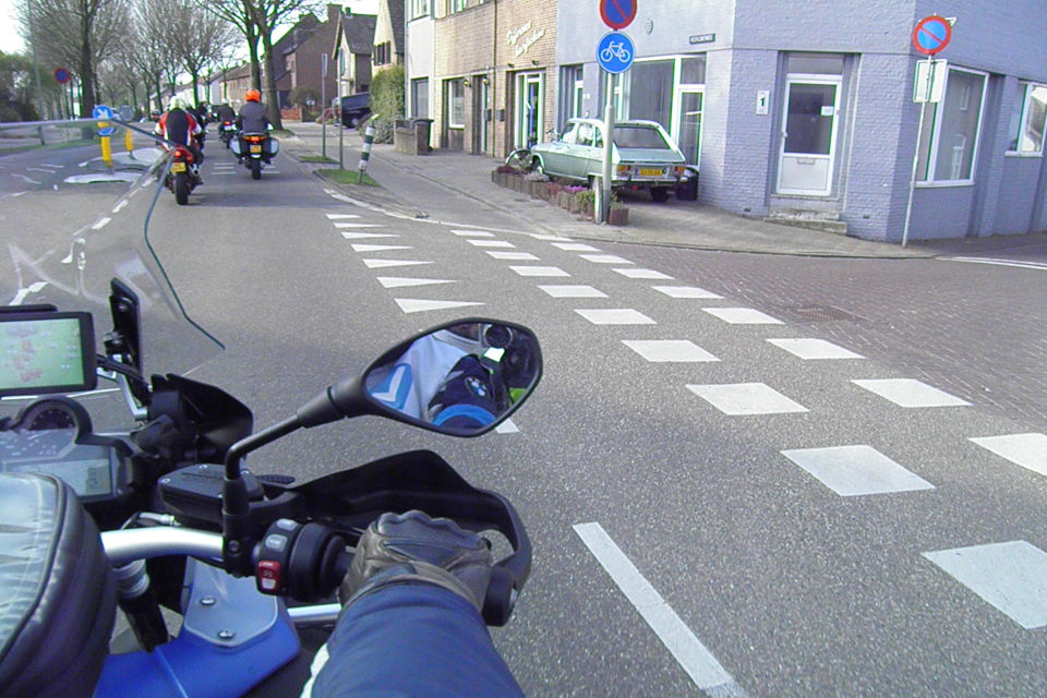 Motorrijbewijspoint Sittard theorie cursus online