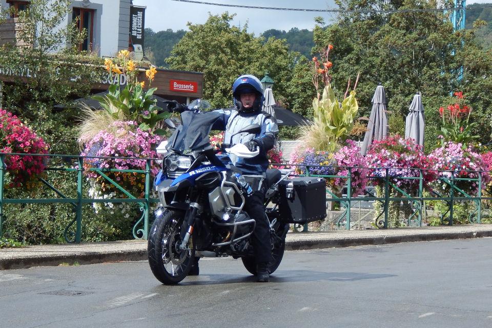 Motorrijbewijspoint Sittard examengarantie AVB en AVD